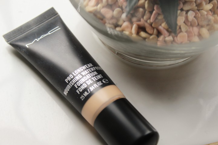 Mac Pro Longwear Norishing Waterproof Foundation Review