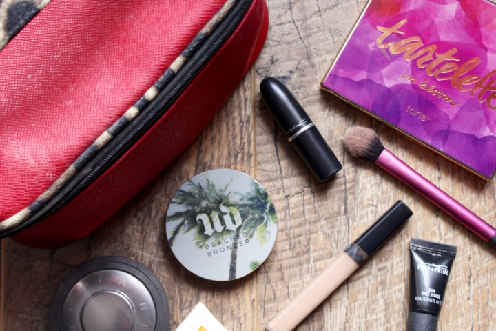 What's In My Travel Make-UpBag?
